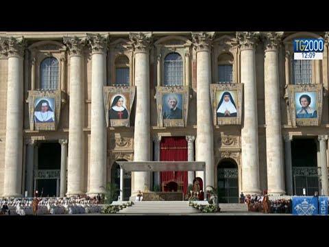 Chiesa, Papa Francesco proclama 5 nuovi santi. Il card. Newman e 4 religiose