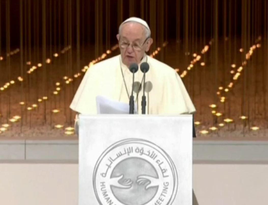 Papa: smilitarizzare il cuore dell'uomo per un futuro di pace