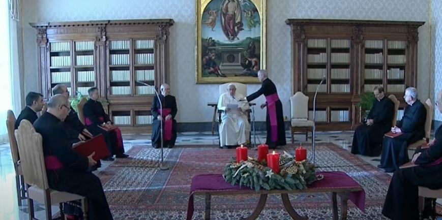 Papa Francesco: non avere vergogna di chiedere a Dio che sempre risponde