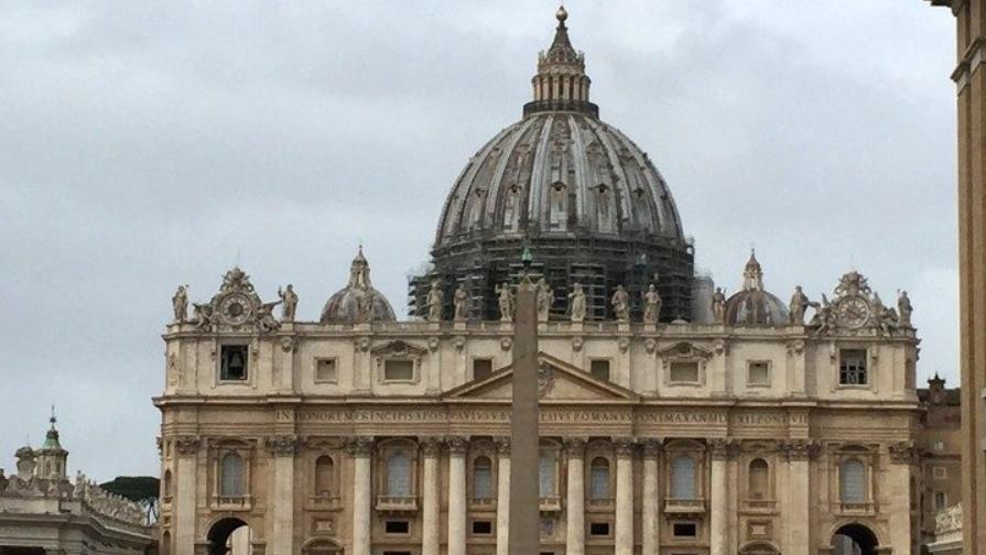 Vaticano, Papa riduce stipendi e blocca scatti di anzianità per un biennio