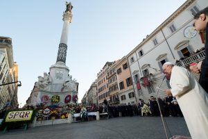 Papa Francesco in Piazza di Spagna