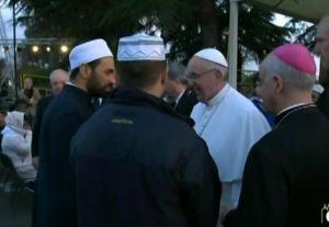 Papa Francesco al Cara imam