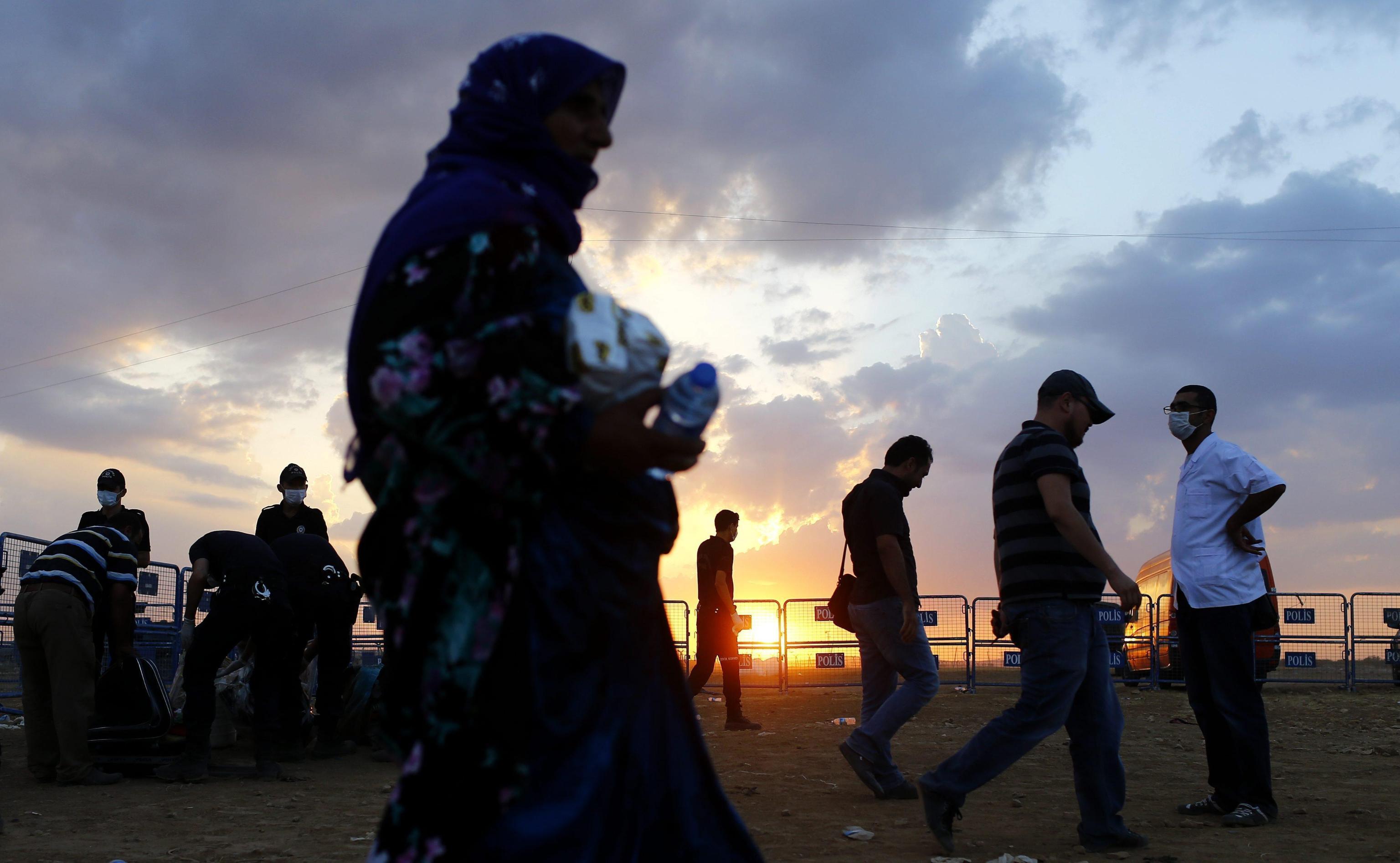 SIRIA: UNHCR, PONTE AEREO AIUTI PER PROFUGHI IN TURCHIA