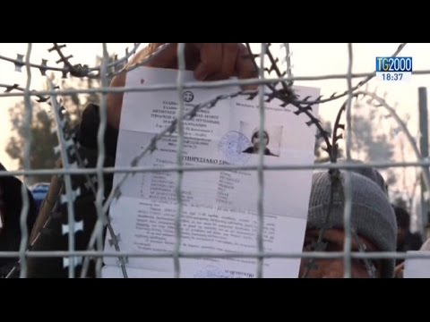 emergenza-migranti-in-grecia-in-migliaia-bloccati-al-confine-con-la-macedonia