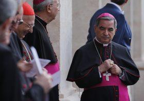Pope Francis pays visit to Italian President Napolitano