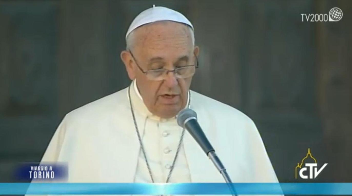 """Papa Francesco a Torino:""""No all'economia dello scarto"""". E poi:""""Guardiamo al futuro con speranza"""""""
