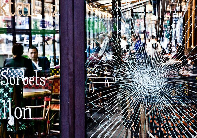 Parigi sotto attacco. Fotoracconto di Stefania Casellato