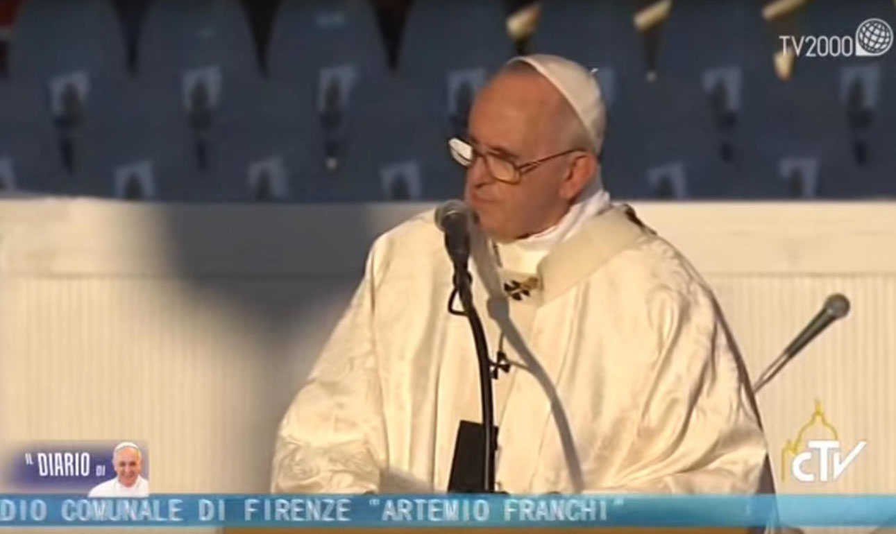 """Papa Francesco a Firenze2015:""""La Chiesa vive in mezzo alla gente e per la gente"""""""