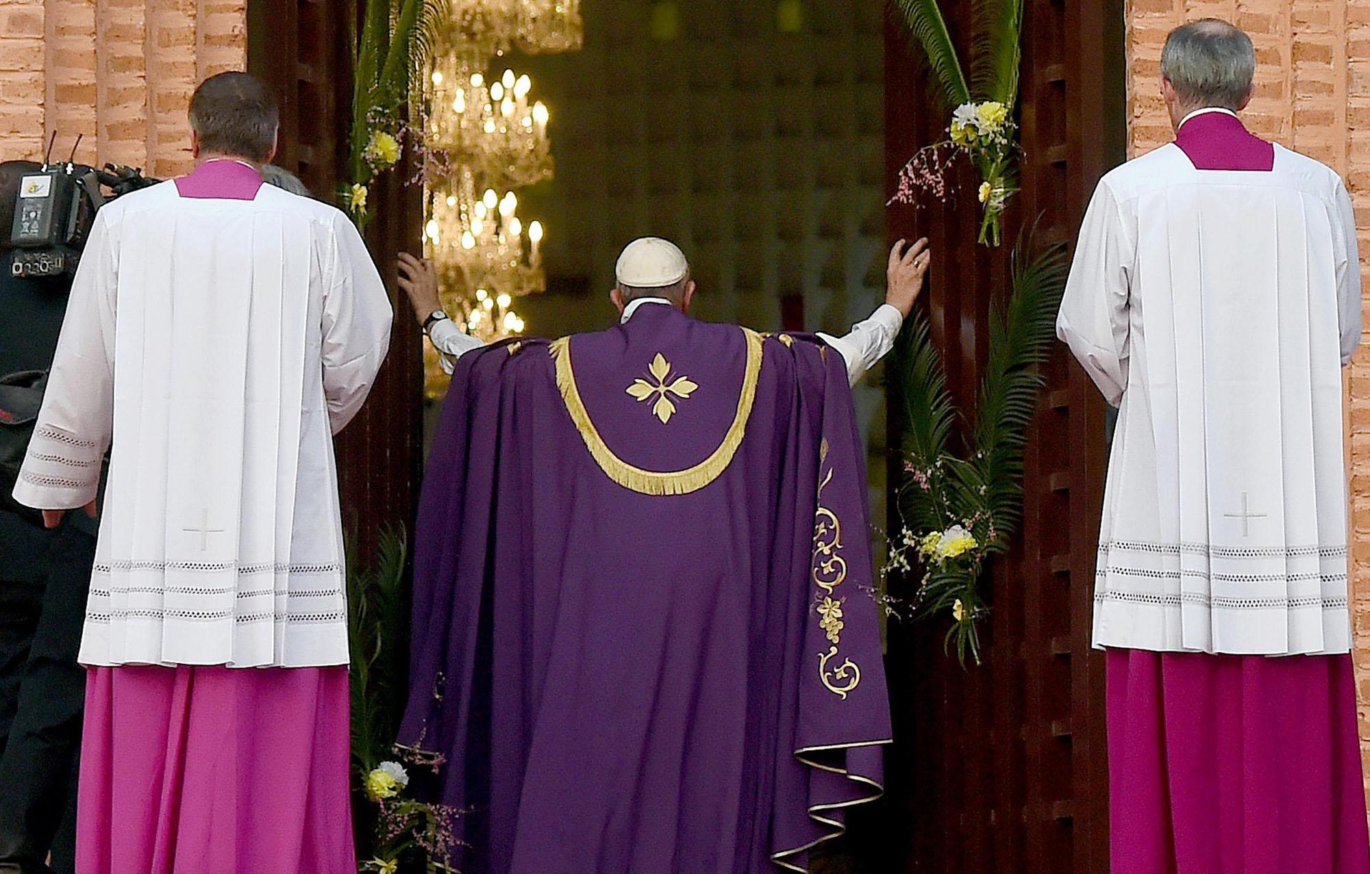 Papa: apre porta santa a Bangui e Giubileo in Africa