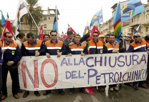 Gela petrolchimico lavoratori