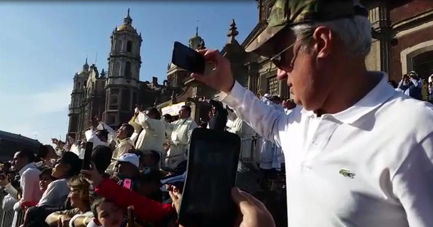 Tra i guadalupani ad abbracciare Francesco (VIDEO)