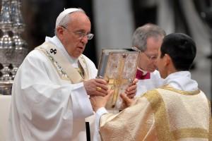 Pope Francis celebrates Crisma mass