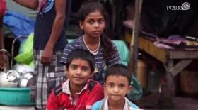 """Madre Teresa - """"Le bambine di Calcutta"""", un film di Andrea Salvadore"""