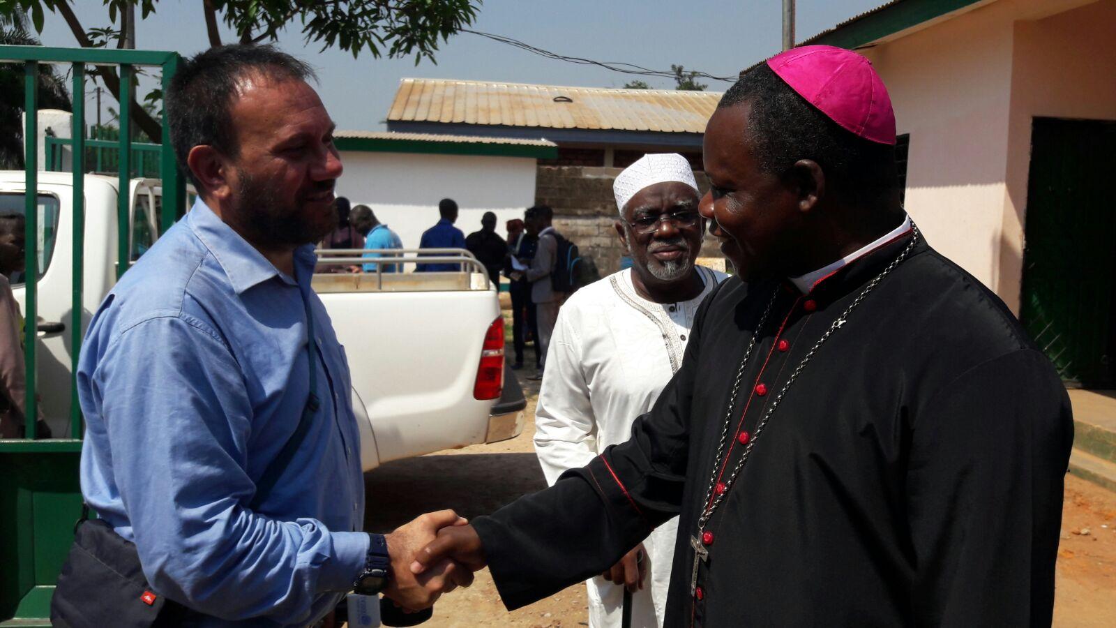 Bangui, un anno dopo. La conclusione del Giubileo. Il tweet reportage di Maurizio Di Schino