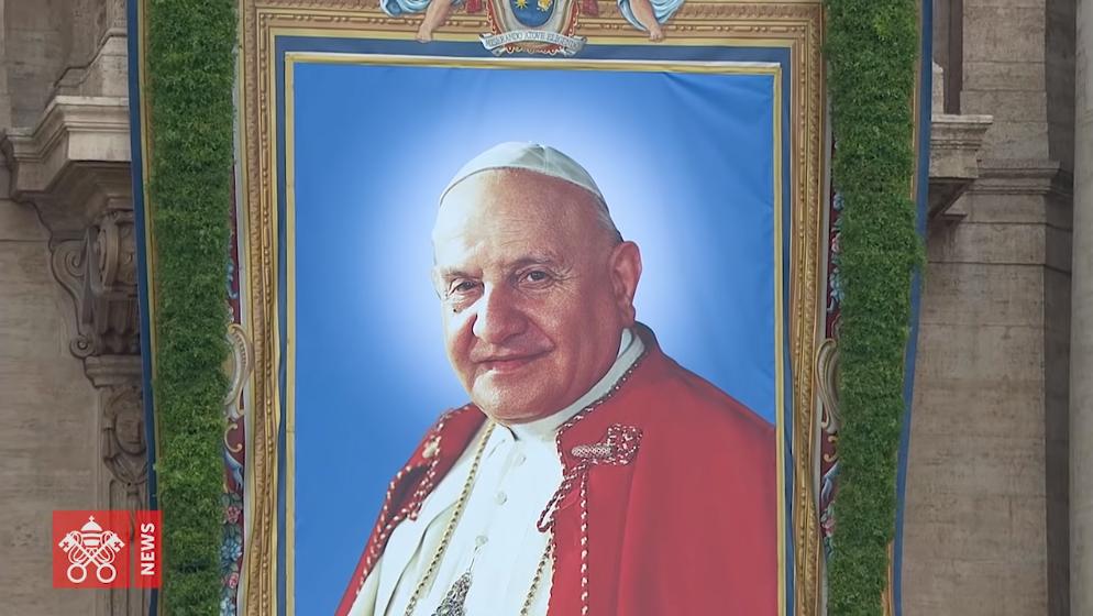 #GiovanniXXIII, il racconto quotidiano della Peregrinatio delle spoglie di Papa Roncalli a Bergamo e Sotto il Monte