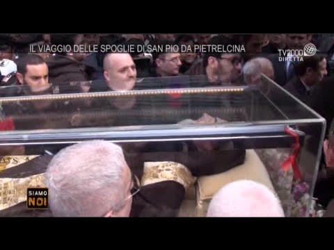 San Giovanni Rotondo, la partenza della salma di San Pio per Roma