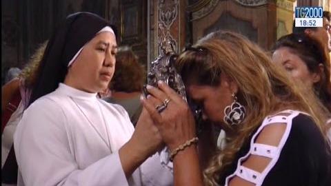 Si rinnova il miracolo della liquefazione del sangue di Santa Patrizia, compatrona di Napoli