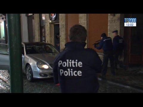 Terrorismo, maxi blitz a Bruxelles: 16 arresti. Salah in fuga verso la Germania