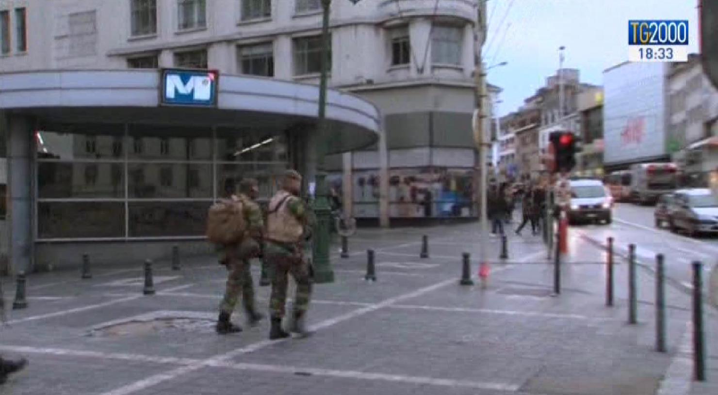 Bruxelles in stato di assedio per il rischio attentati. Chiusi musei, cinema e negozi del centro