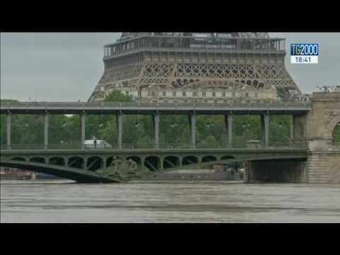 Il maltempo colpisce l'Europa. Parigi in ginocchio con la Senna in piena e il Louvre chiuso