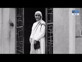 Gli sguardi e la vita di Madre Teresa di Calcutta in alcune immagini inedite