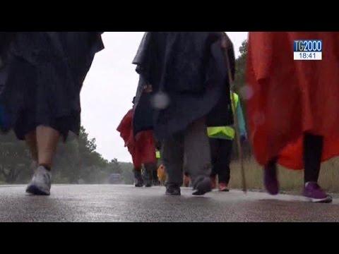 In cammino verso Fatima, un pellegrinaggio che coinvolge tutto il Portogallo