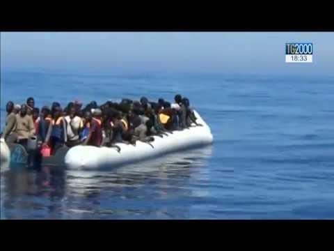 Migranti: in un solo giorno sbarcati in Sicilia 1200 persone. Con loro molti minori non accompagnati