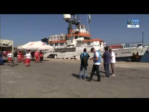 Migranti: vertice al Viminale sulle Ong. Papa Francesco: tratta di esseri umani aberrante