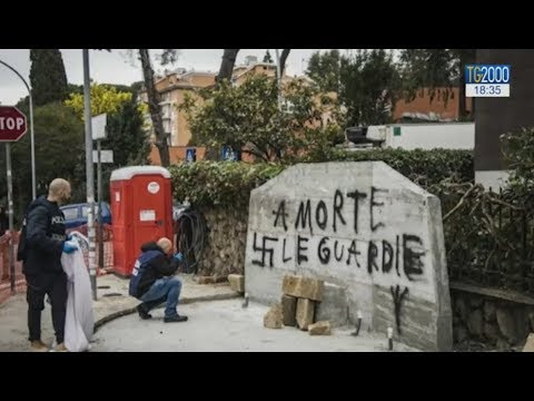 Torna la violenza politica. Un accoltellato a Perugia, imbrattata lapide di Aldo Moro a Roma