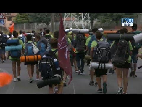 Giovani in cammino verso Circo Massimo con Papa Francesco