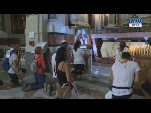 Dopo 100 chilometri di cammino, i giovani della Sicilia sulla tomba di don Pino Puglisi