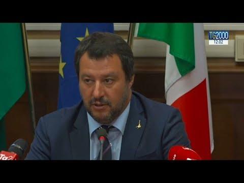 Migranti, la proposta italiana. Macron vs Salvini. Merkel in Africa