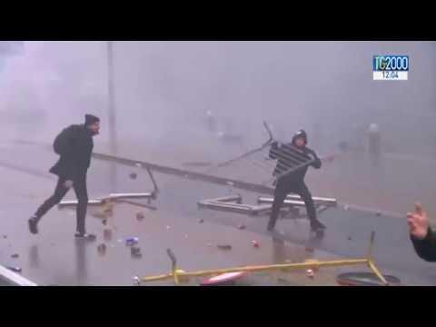 Migranti. Guerriglia urbana a Bruxelles, l'estrema destra in piazza contro il Global compact