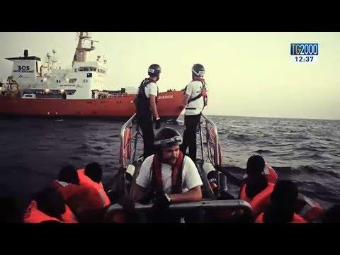 Aquarius cessa le attività: nessuno Stato concede la sua bandiera alla nave umanitaria