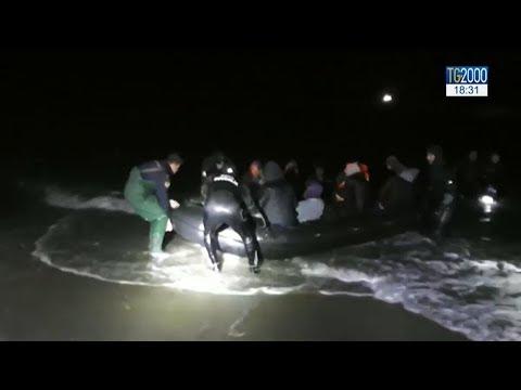 Migranti, naufragio nel Mar Egeo: muore una bimba di 4 anni. Salvate 47 persone