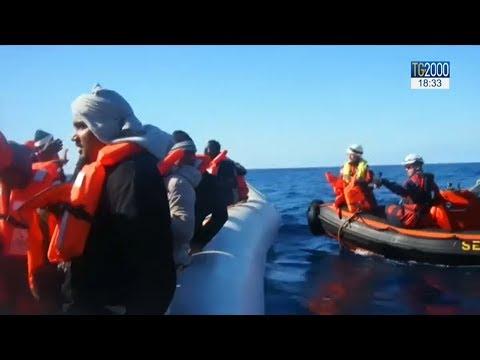 Viaggi della speranza, quando in mezzo al mare si attende un soccorso