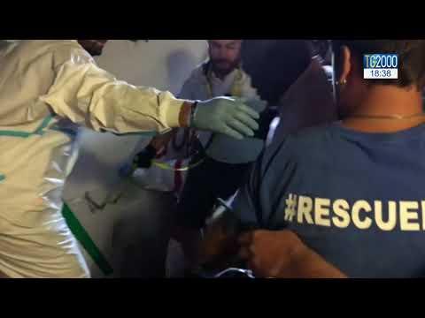 Migranti, dopo sbarco è emergenza sanitaria sulla 'Mare Jonio'