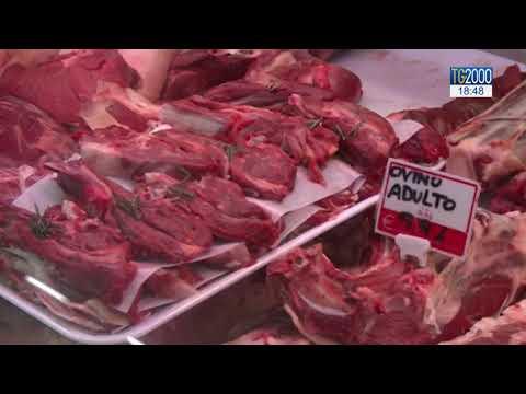Gli italiani tornano a preferire la carne. Tra gli scaffali vincono piatti già pronti