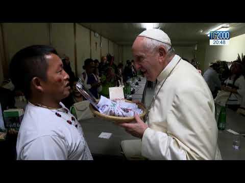 Papa Francesco incontra delegazioni indigeni