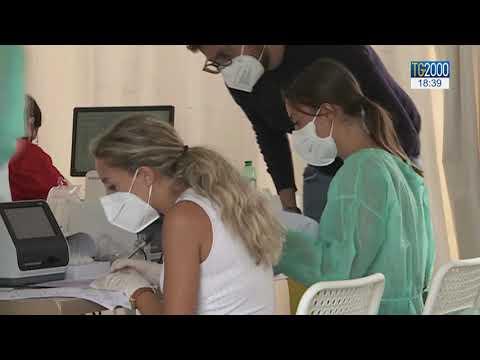 Covid-19 in Italia, 1452 nuovi casi su oltre 100 mila tamponi