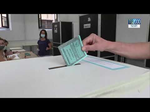 Referendum e regionali, affluenza alle urne al 40%