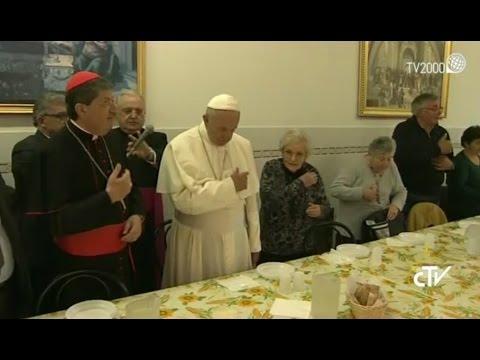 Papa Francesco a Firenze, il pranzo con i poveri alla Mensa di San Francesco Poverino
