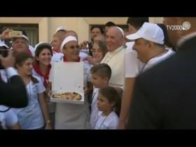 Pranzo offerto da Papa Francesco a 1500 poveri dopo Messa di canonizzazione di Madre Teresa