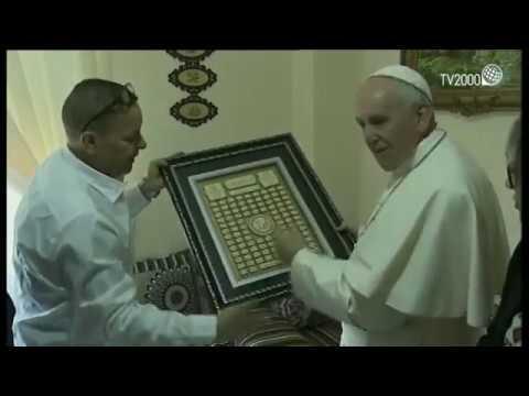 Case Bianche, le immagini della visita di Papa Francesco alle famiglie Milhoual e Oneta