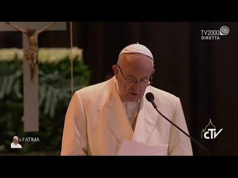 Fatima, Benedizione delle candele dalla Cappellina delle Apparizioni