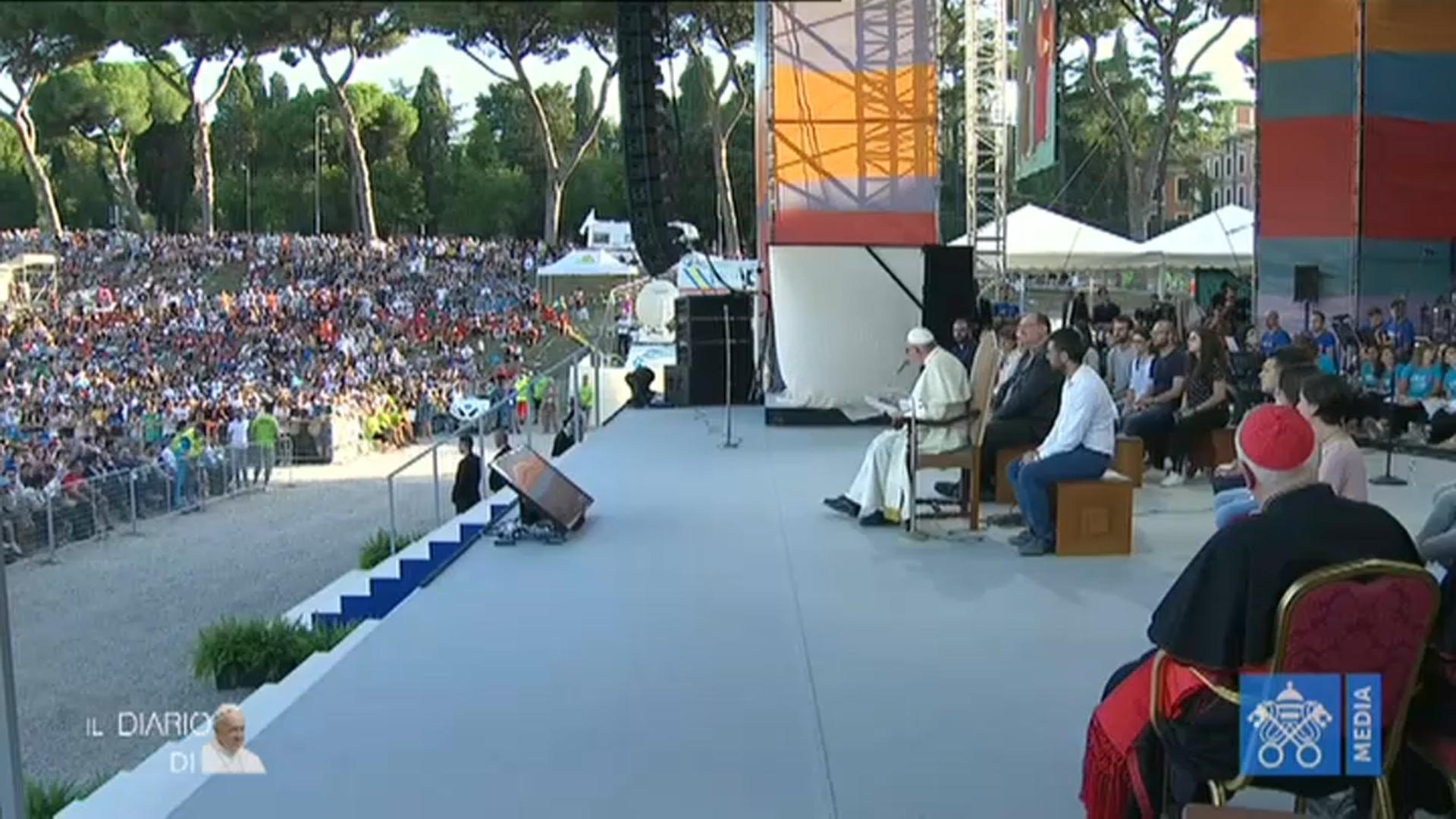 SIAMO QUI - Il Papa incontra i giovani italiani 11/08/2018