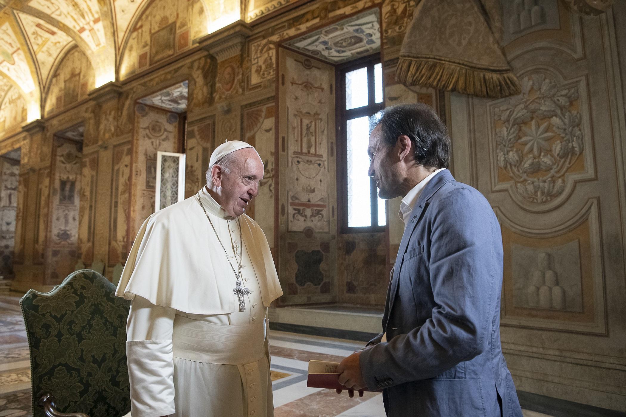 "Papa Francesco a Tv2000: ""Un figlio è sempre una benedizione"""