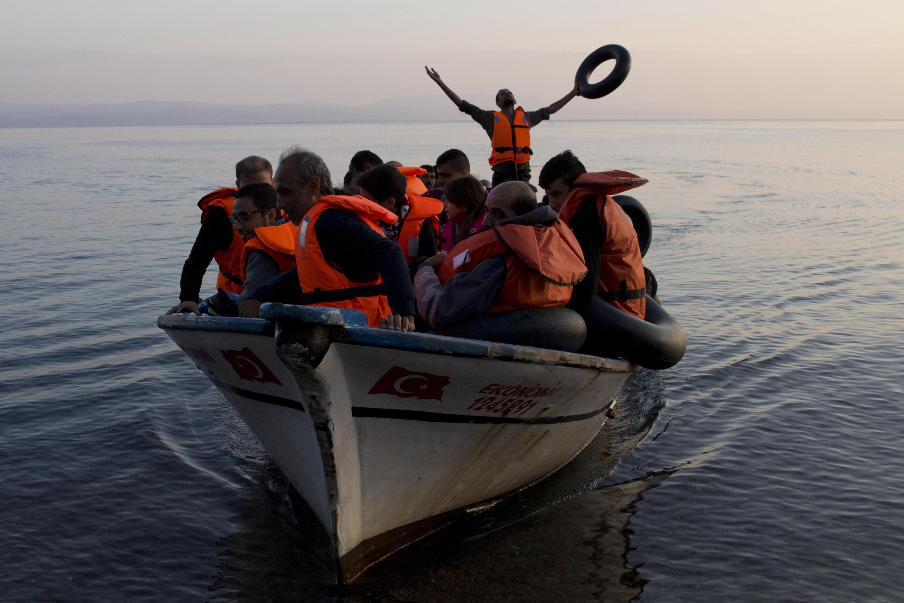 Mare Jonio, sì allo sbarco dei minori divieto di ingresso nelle acque territoriali