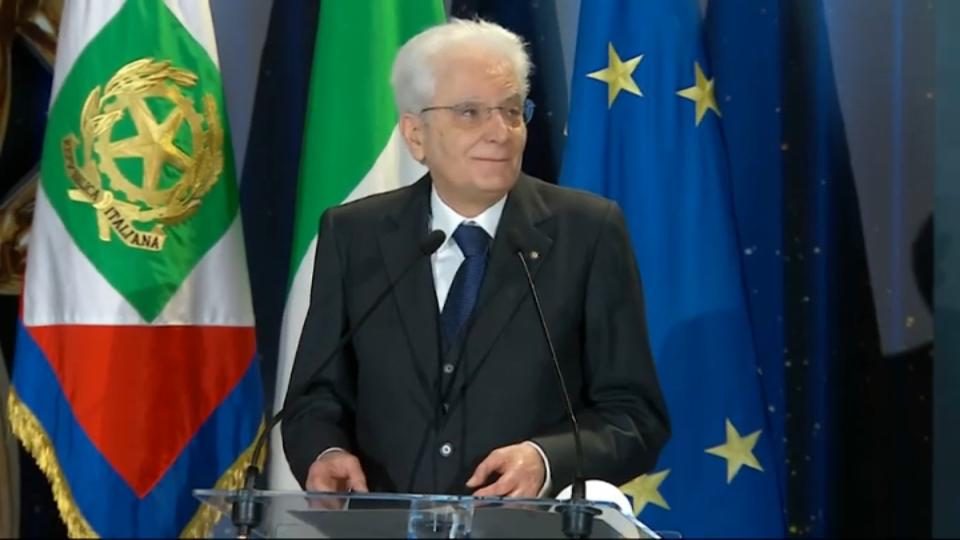 """Mattarella: """"Dopo la pandemia per l'Italia un nuovo inizio"""""""