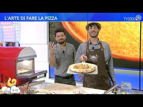 """La pizza """"foglie d'autunno"""", con porcini, polenta e blu di bufala"""
